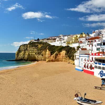 Mit Dem Zug Von Lissabon An Die Algarve