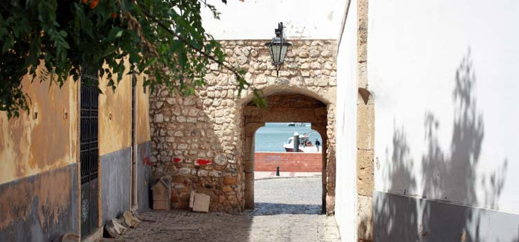 the Porta do sol gate faro