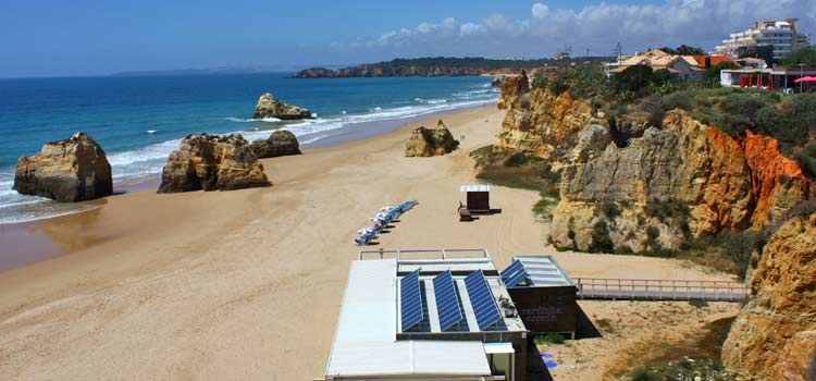 Praia Dos Tres Castelos Beach